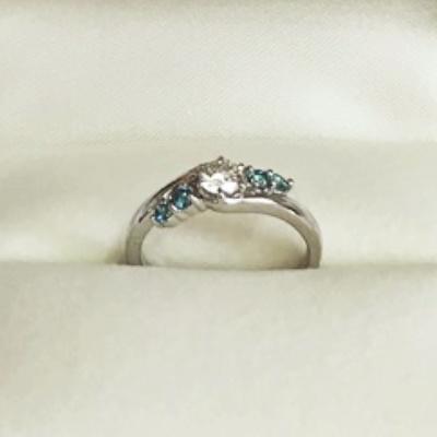 リフォームで作ったダイヤとブルーダイヤの指輪